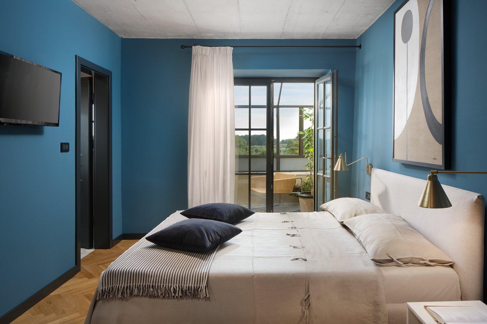Bedroom Master bathroom with views to the sea - Villa Covri  Villa Covri