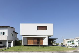 IF House - Photo 02