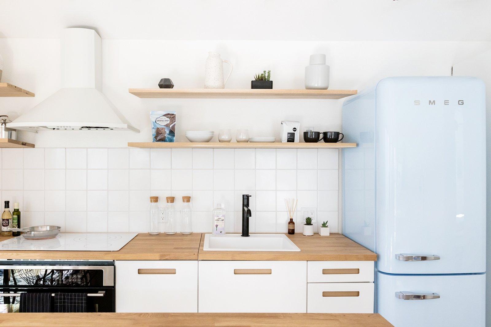 Node LA Echo Park co-living apartment kitchen