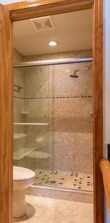 The custom bath in the Lake Superior room