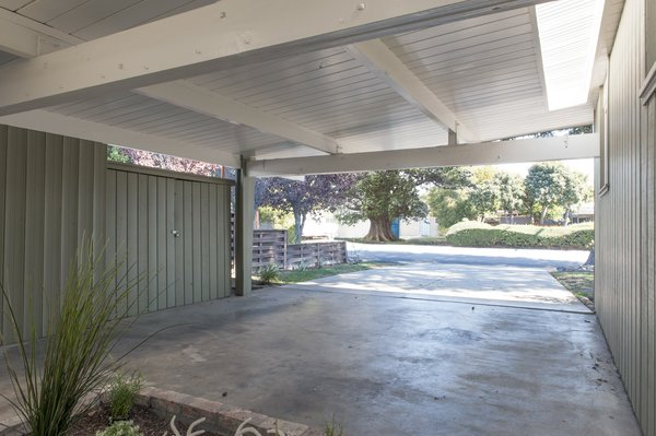 Before: By transforming this one-time carport into an atrium, Blaine expanded the Eichler home while maintaining its architectural integrity.