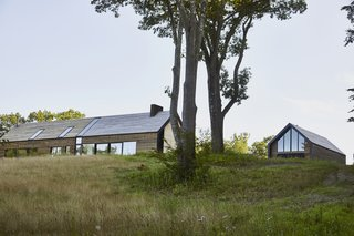 A Kebony Wood-Clad Retreat in the Hudson Valley Pays Homage to Local Farmhouses