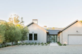 Vineyard Views Are the Priority at This Calistoga Hideaway