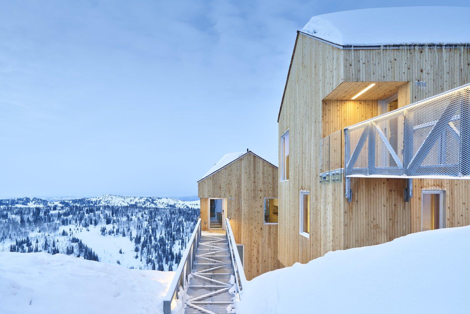 Horizon Neighborhood cabin with steel bridge