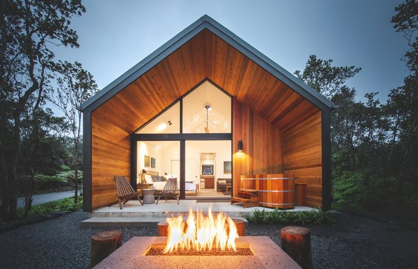 This Hawaiian Cabin Is Volcanically Cool