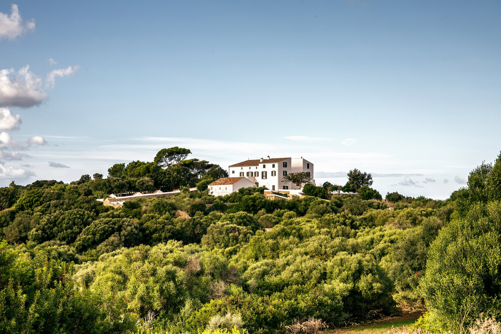 Located high up on a hill, Es Bec d'Aguila is a place to truly escape urban life by finding sanctuary in Menorca's rugged landscape.