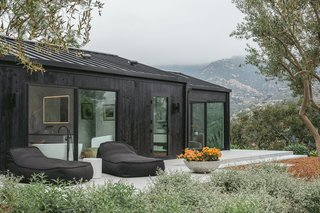Usually, it's the gorgeous stretch of coastline that gets attention in Montecito, but here it's the mountains. Ample outdoor perches allow guests to revel in it.