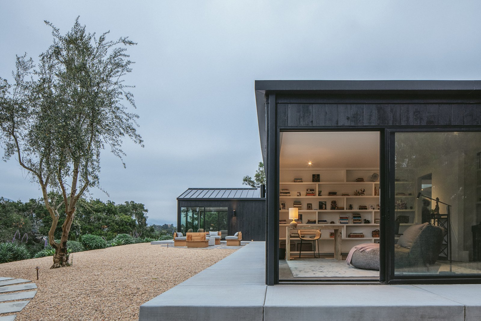 Vista Residence by ANACAPA sliding glass walls