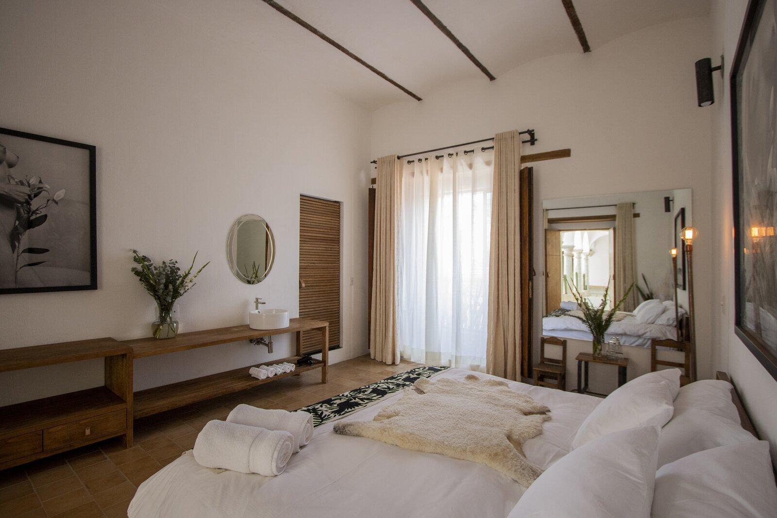 Hotel Sin Nombre guest room