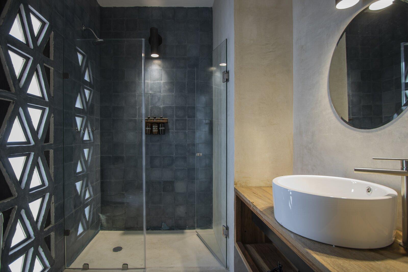 Hotel Sin Nombre bathroom
