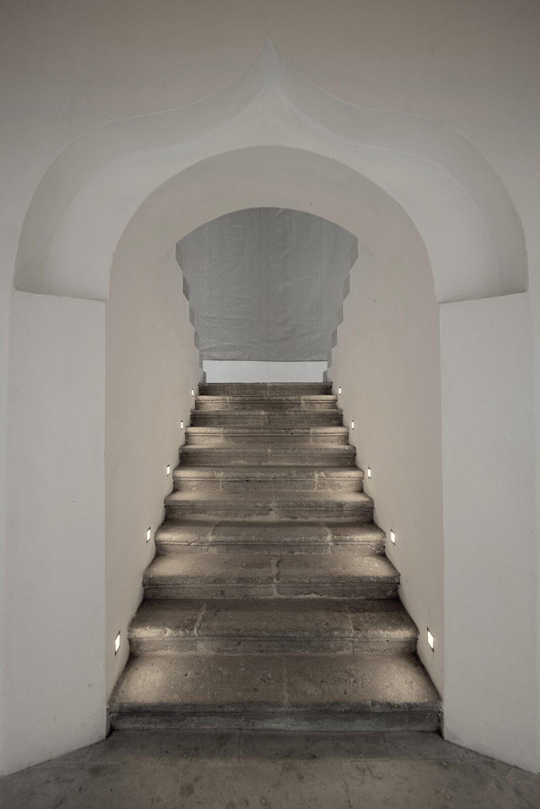Hotel Sin Nombre staircase