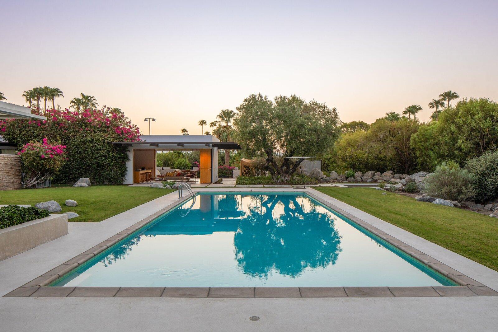 Kaufmann Desert House pool