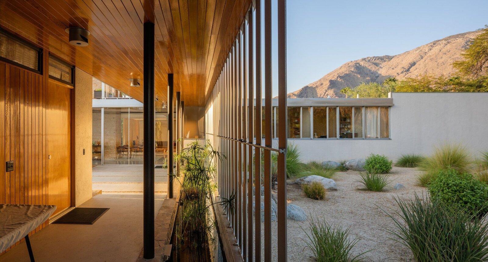 Kaufmann Desert House louvered hallway