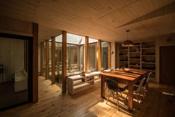Best 60 Modern Dining Room Shelves Design Photos And Ideas Dwell