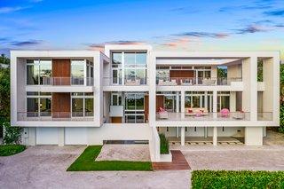 Ultra-Contemporary Gulf-to-Bay Estate