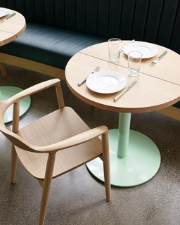 A pared-down tablescape that looks just as good as the food on Willmott's Ghost menu.