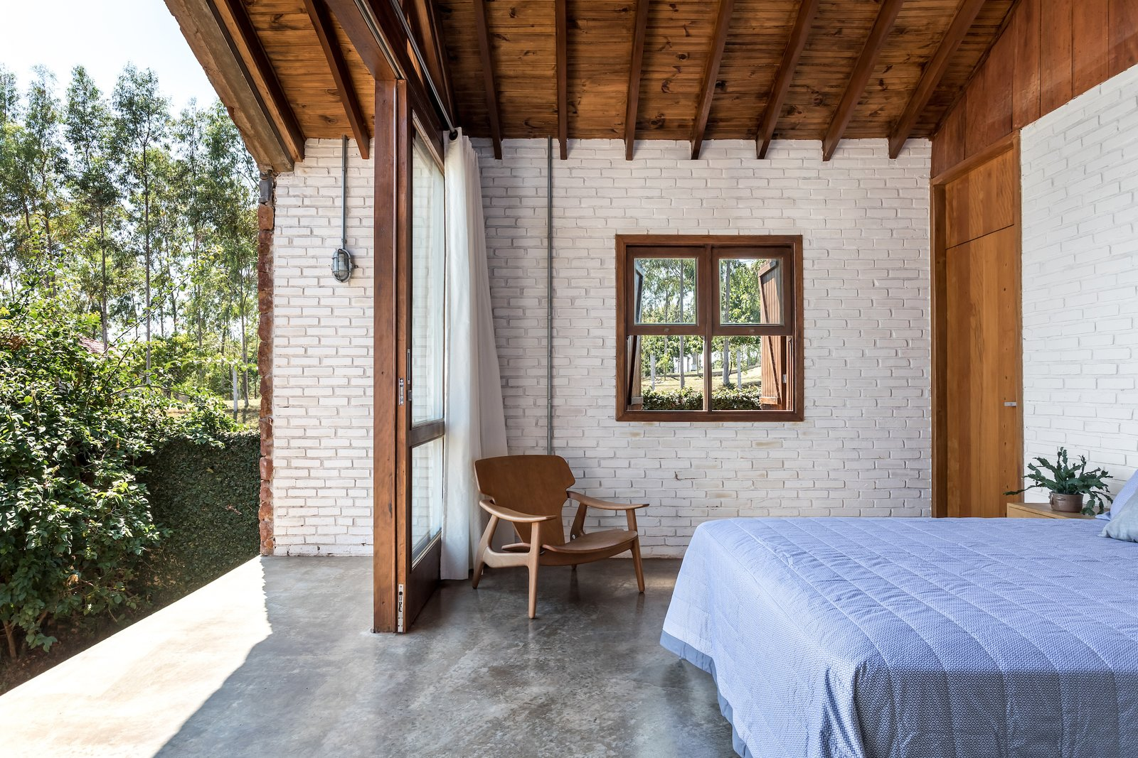 Casa do Lago bedroom