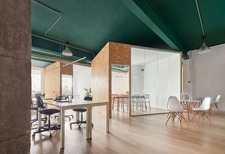 Office Renovation In An Industrial Building Of Poblenou ...
