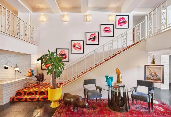 The entirety of the Parker Palm Springs—including its retro lobby—was conceived by none other than legendary designer Jonathan Adler himself.