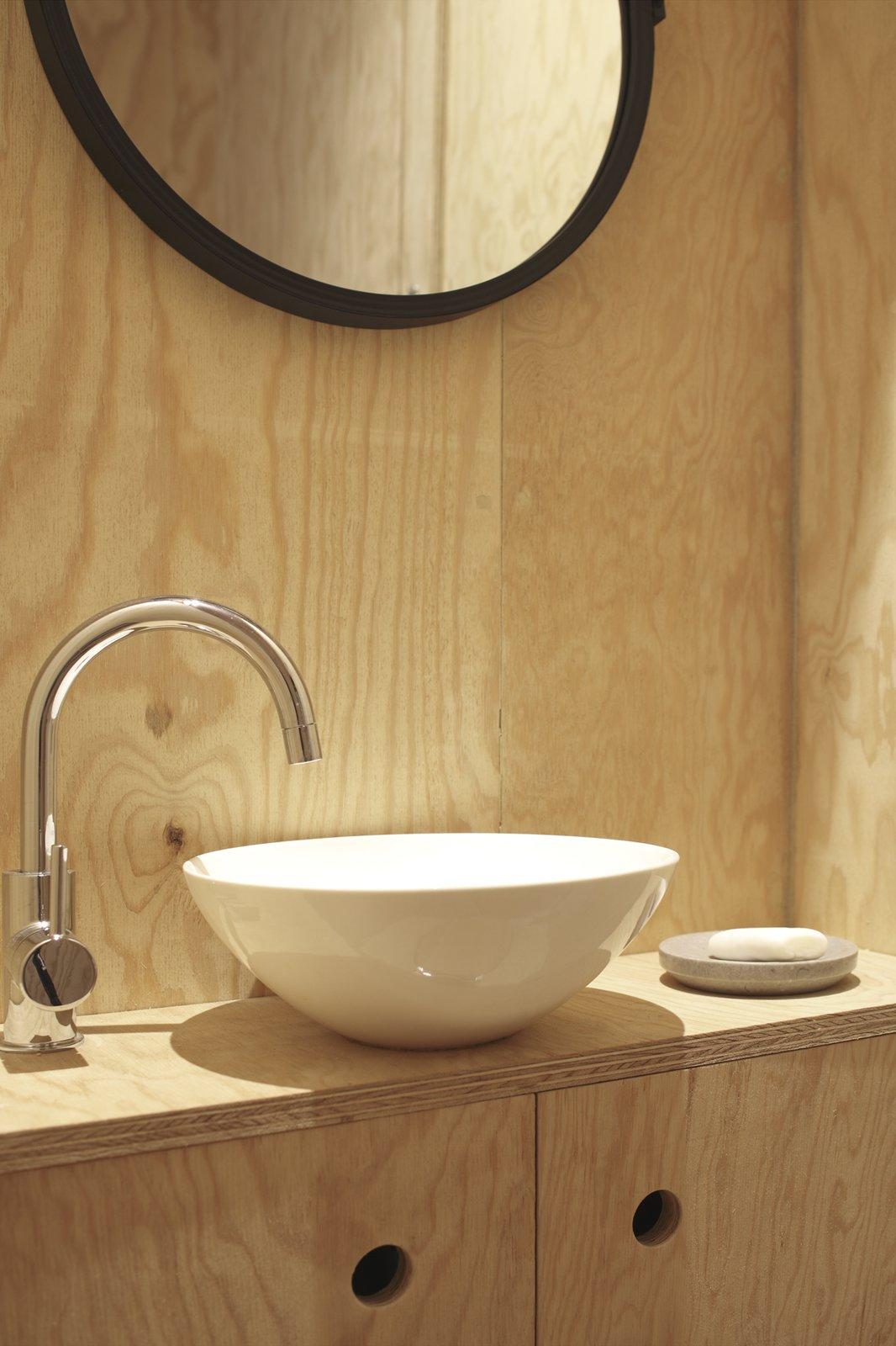 Heva Cabin bathroom