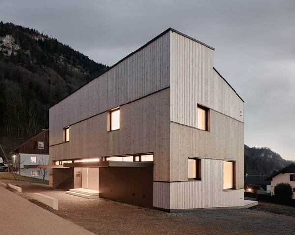 MWArchitekten utilized local wood to harmonize the home's interiors with its facade.
