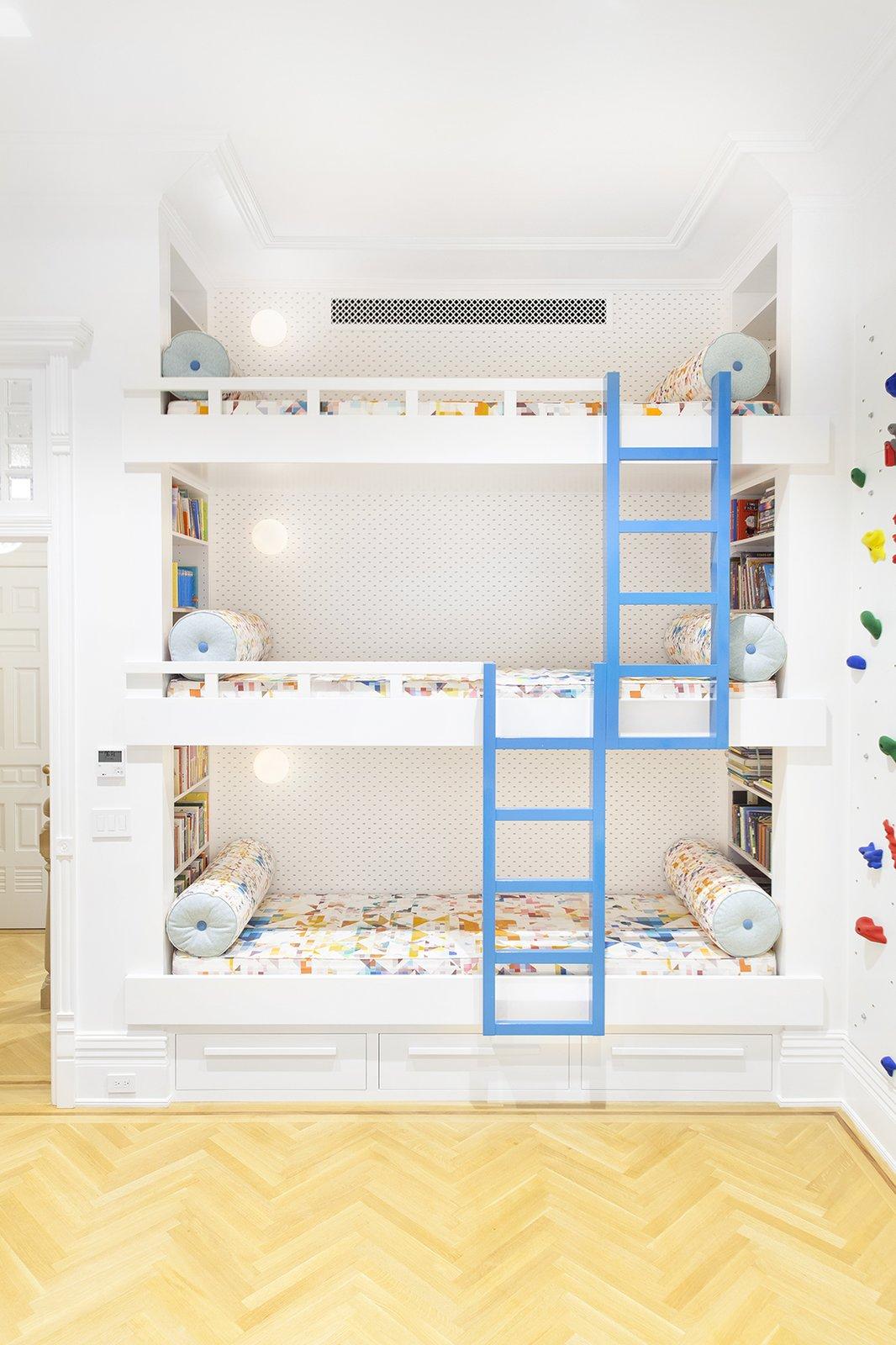 Osborne Residence by Fogarty Finger Architects bunk beds