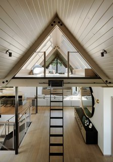 Before & After: This San Francisco Dwelling Feels Like a Japanese Ski Cabin