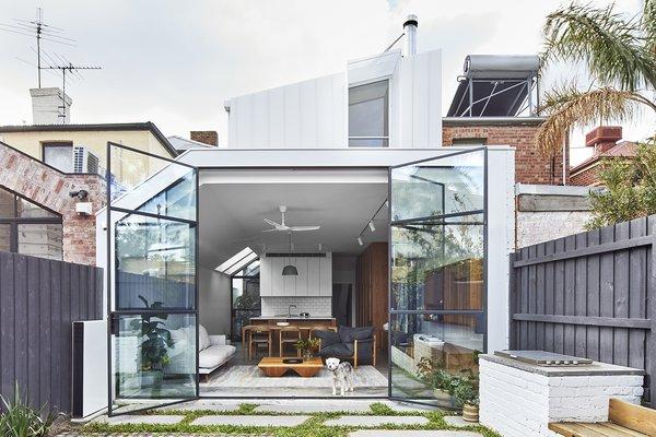 Dwell S Favorite 60 Modern Outdoor Small Patio Porch Deck Design Dwell