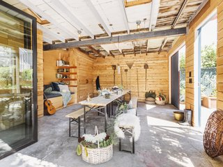 The simplicity of Ballard Garden Studio makes the space feel larger than its 360 square feet, and allows it be versatile for a variety of uses.