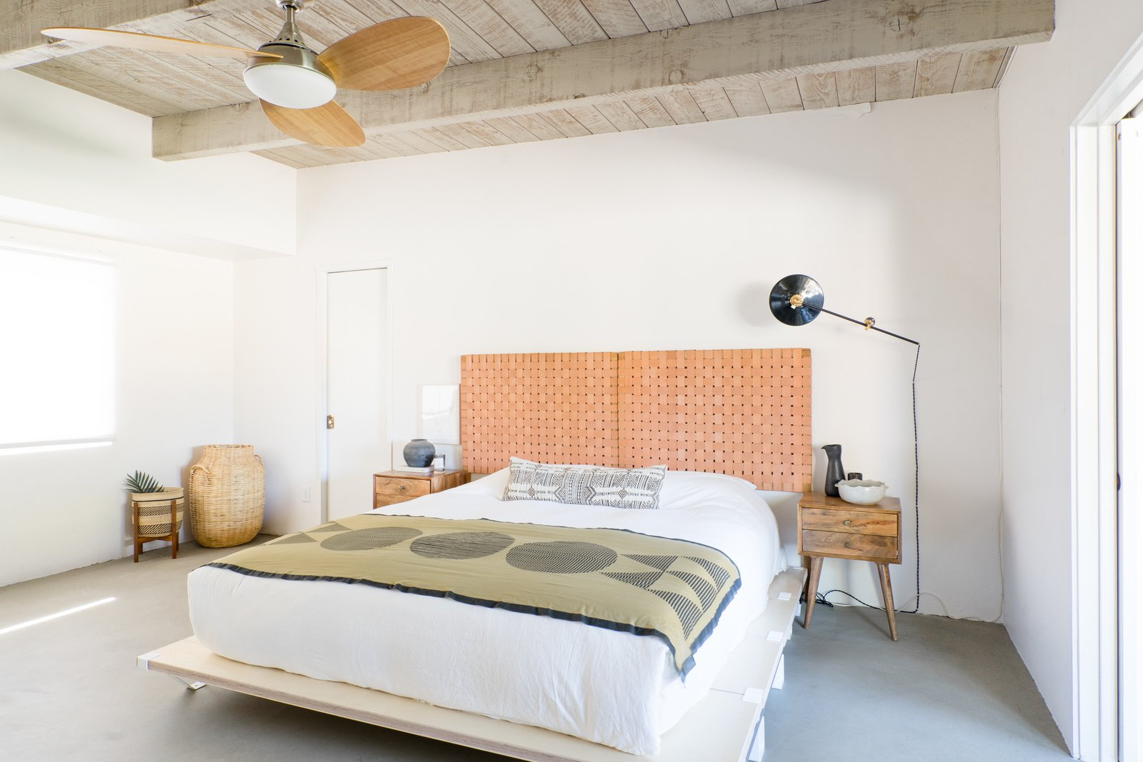 Borrego Springs midcentury renovation The Grove Collective bedroom