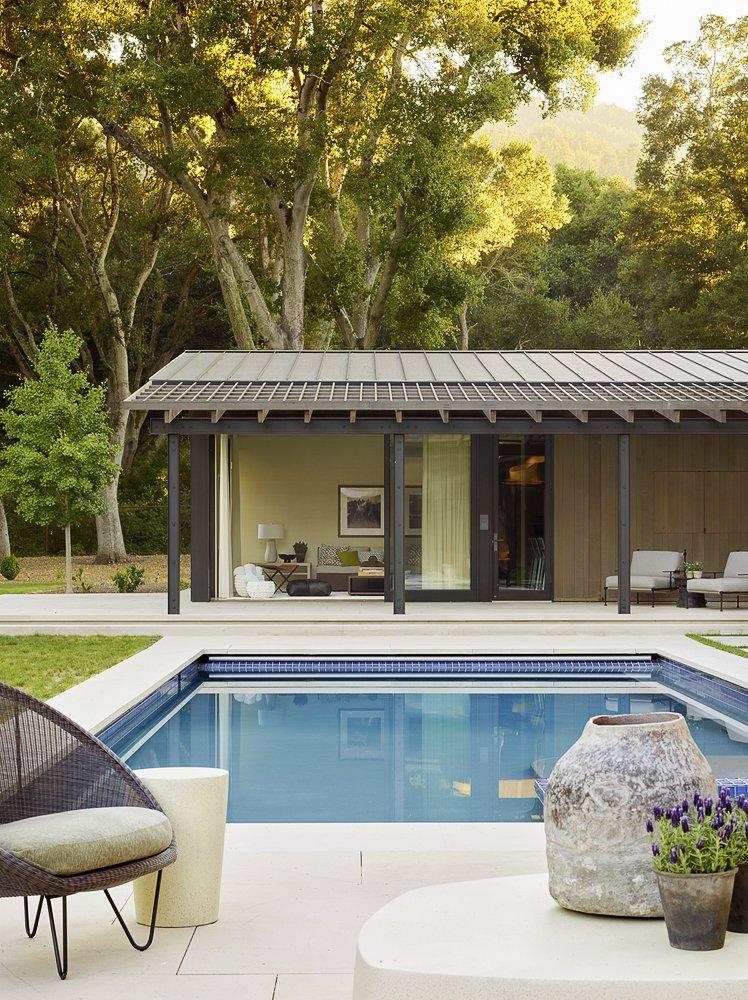 Oak Woodland by Walker Warner Architects pool