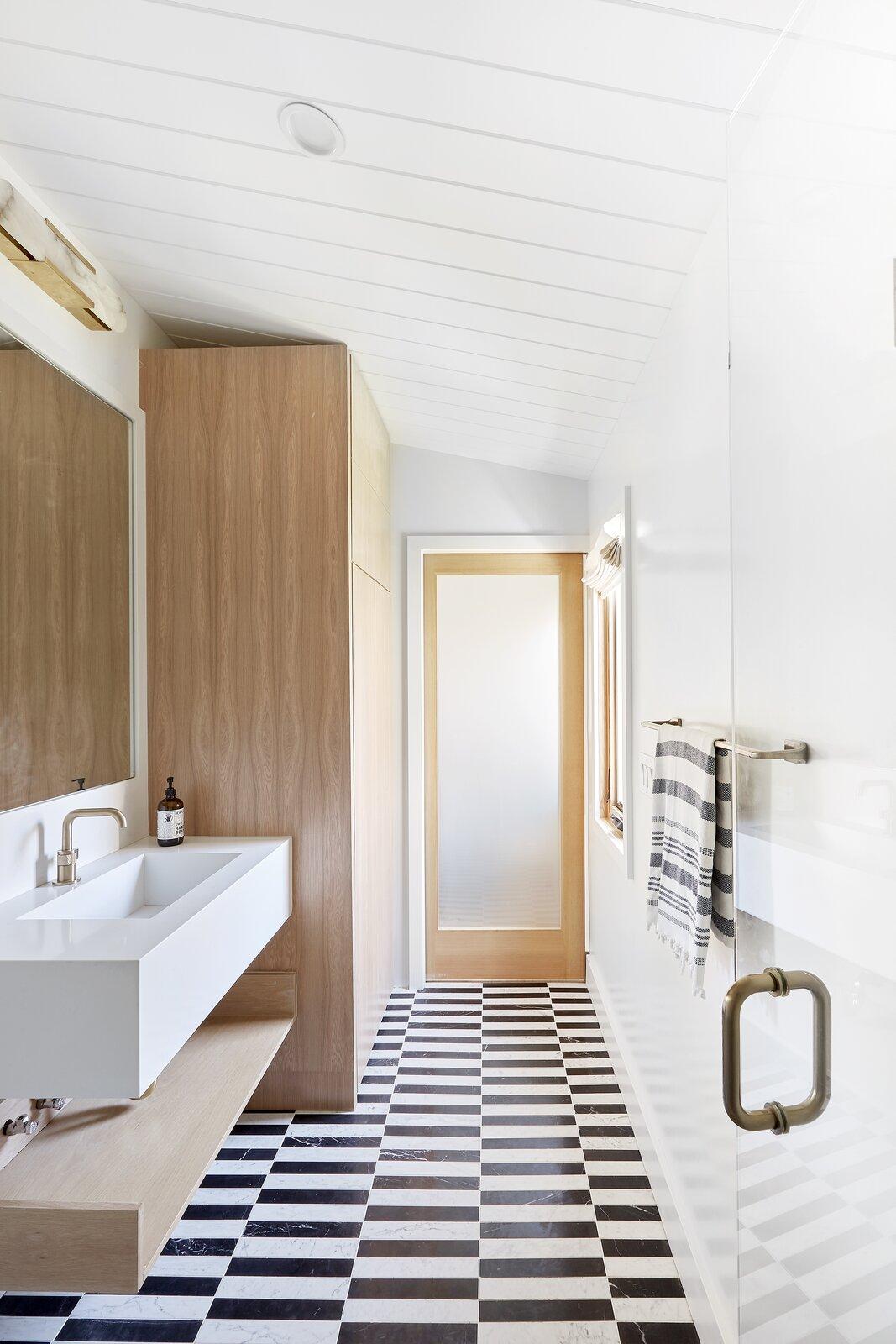 After: Bathroom in Beach Ct. by Veneer Designs