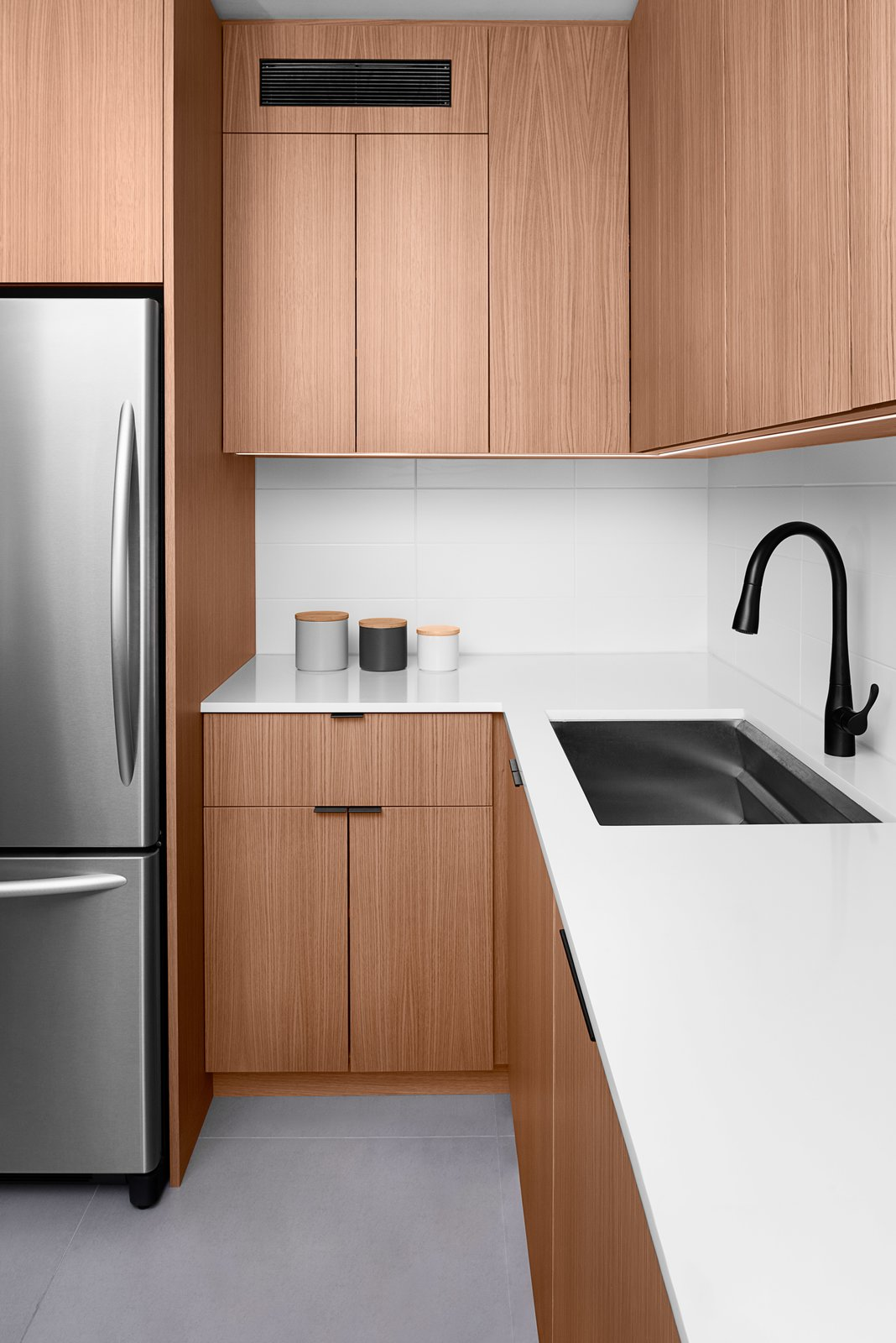 Photo 4 Of 4 In Minimalist White Oak Kitchen By Pryme Production Dwell