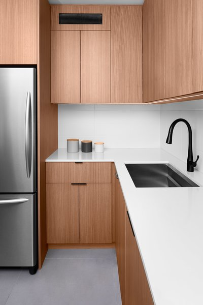 Photo 4 of 4 in Minimalist White Oak Kitchen by Pryme ...