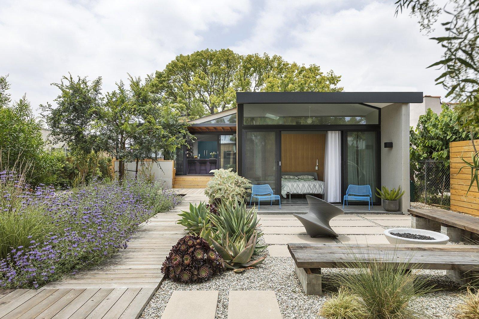 Garden & Landscapes: Design and ideas for modern homes & living