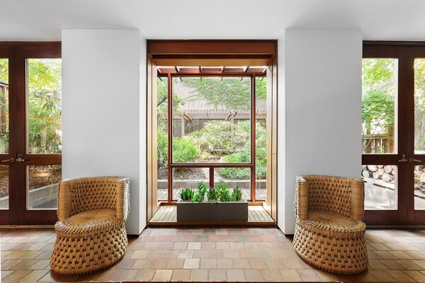 The garden dominates the living room view.