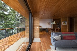 Coigüe timber, a species native to the Andean part of Patagonia, was used for the interior flooring. The outdoor deck is made from oak.