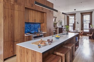 PARLOR FLOOR - KITCHEN LOOKING TOWARDS DINING ROOM Photo © Ashok Sinha