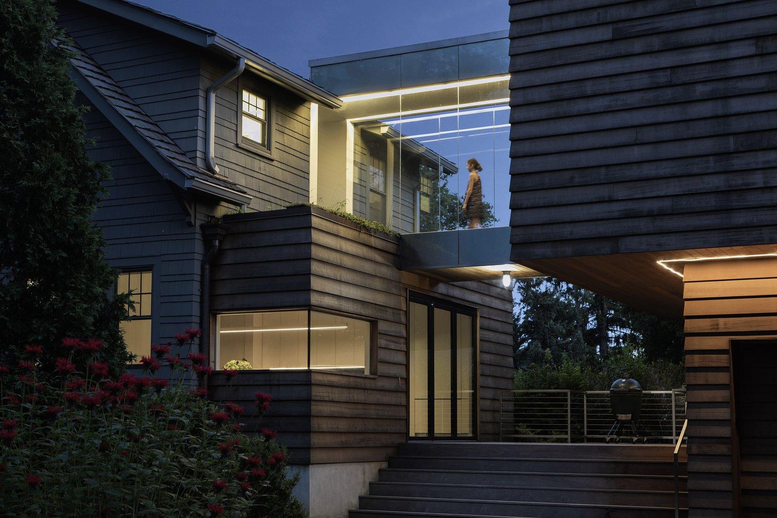 The Olivo Residence by Messana O'Rorke glass bridge
