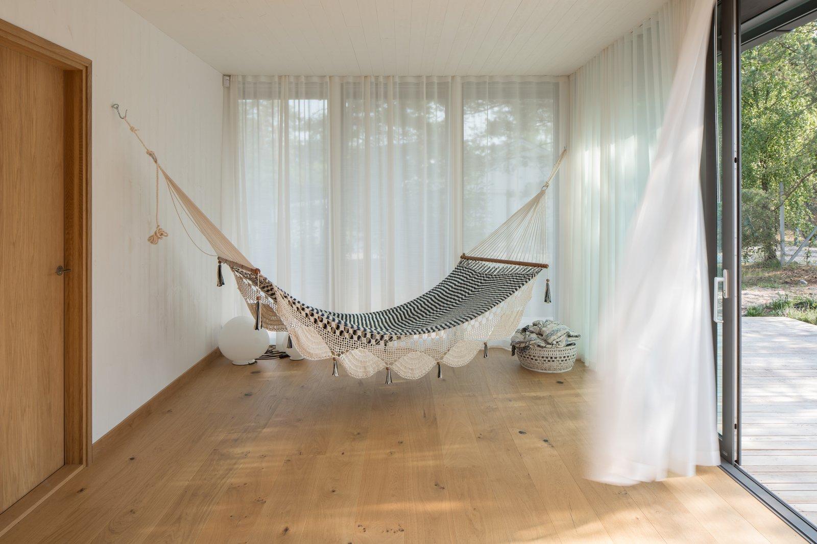 Johan Sundberg Summerhouse T lounge with hammock