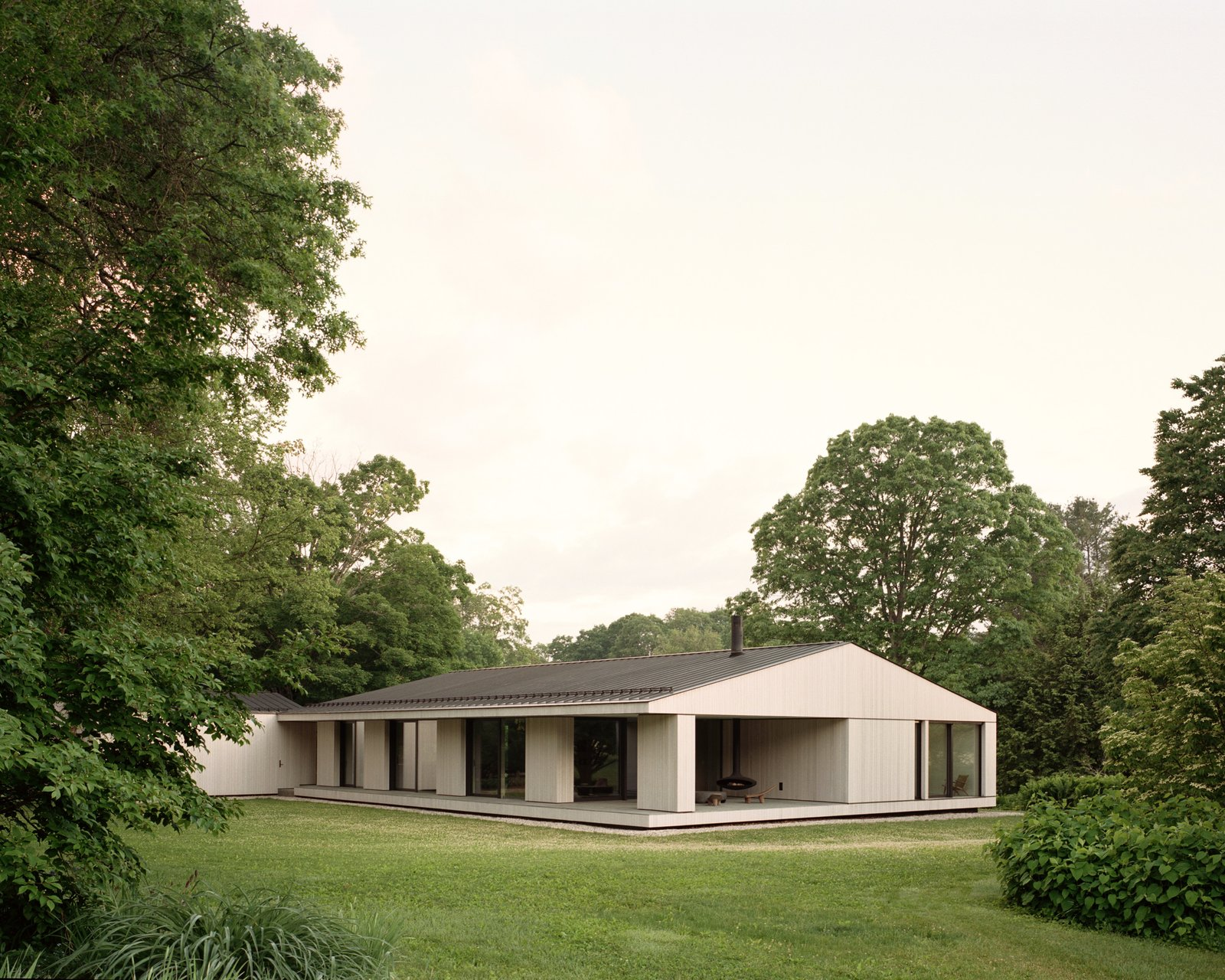 Sheffield residence by Vincent Appel / Of Possible exterior and landscape