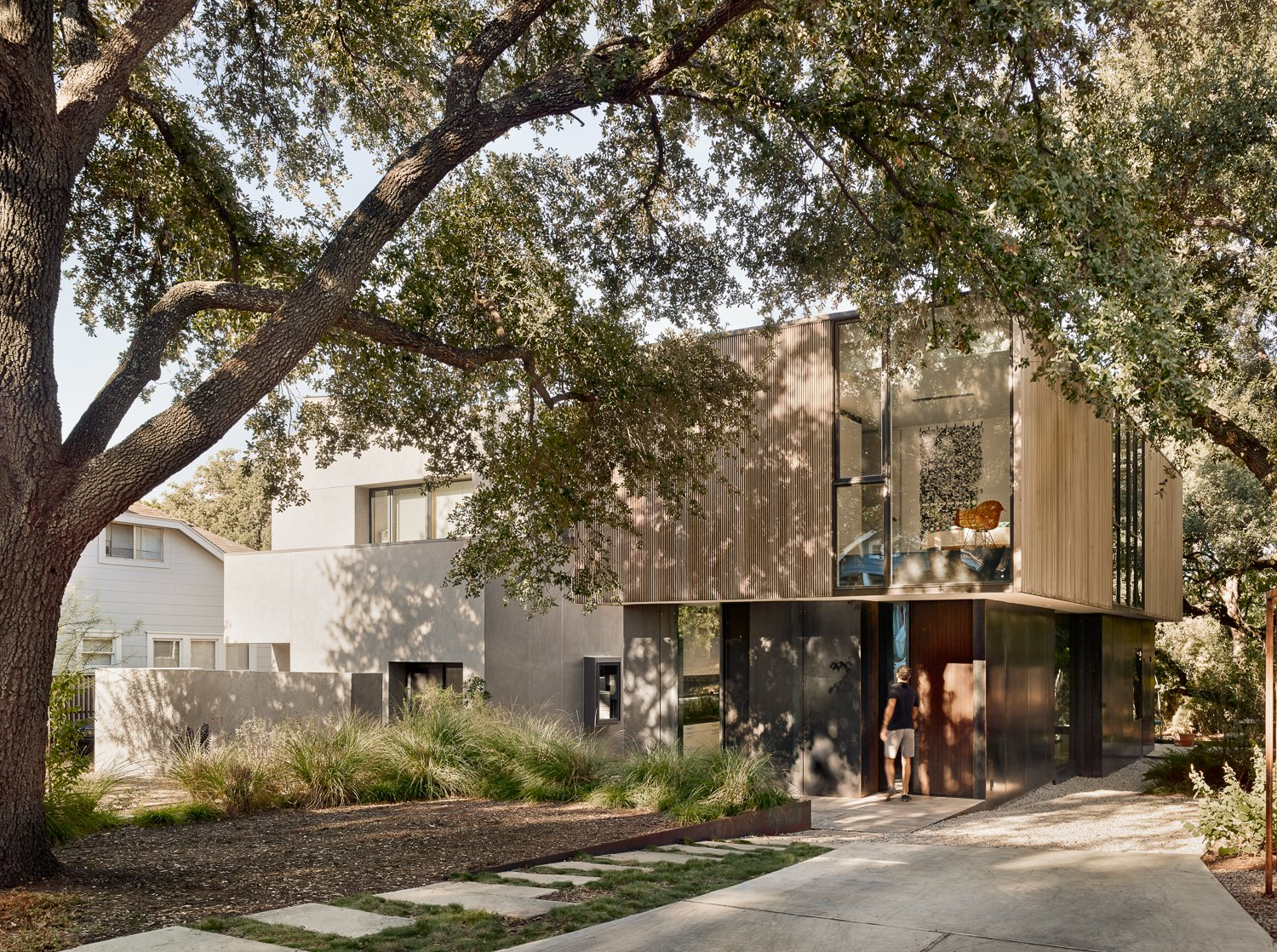 A Svelte Austin Home Enables Cleverly Compact Living