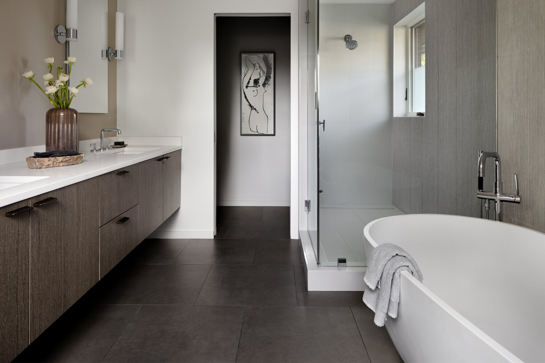 Stephenson House bathroom