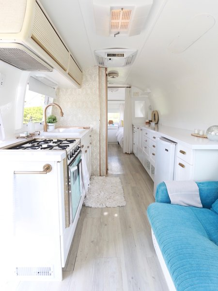 Eliminating the bulky storage units on the right side introduced a breath of fresh air and gave the Airstream a sense of openness.