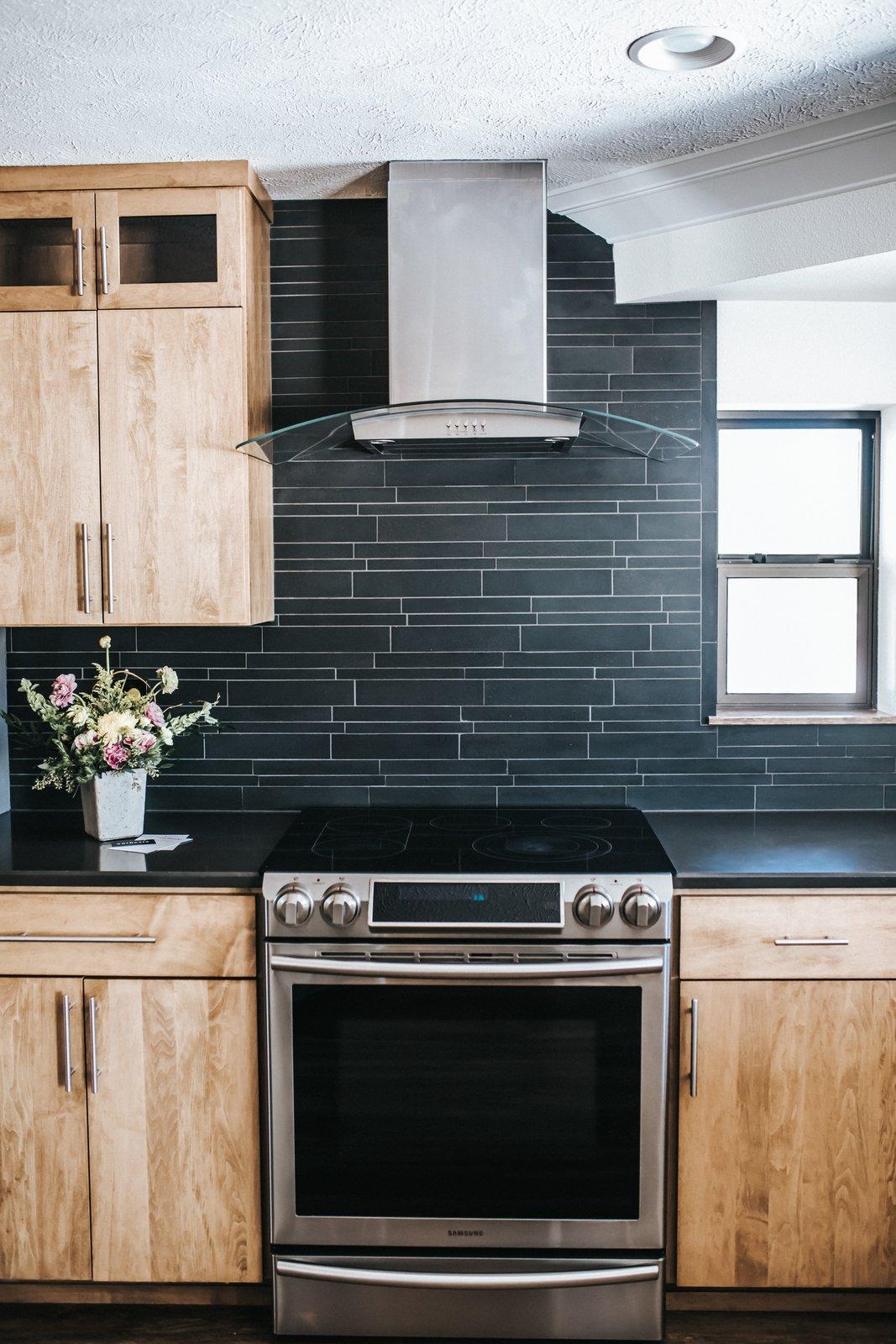 Kitchen Oven & Range Hood  FLW Fan