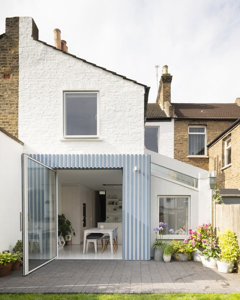 A London Terrace House's Extension Goes Graphic With Pattern and Color
