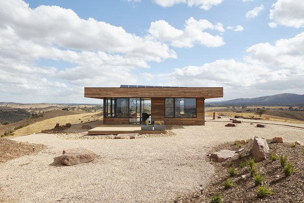 This Off-Grid House in Australia Is Designed to Withstand Bushfires and Cyclones