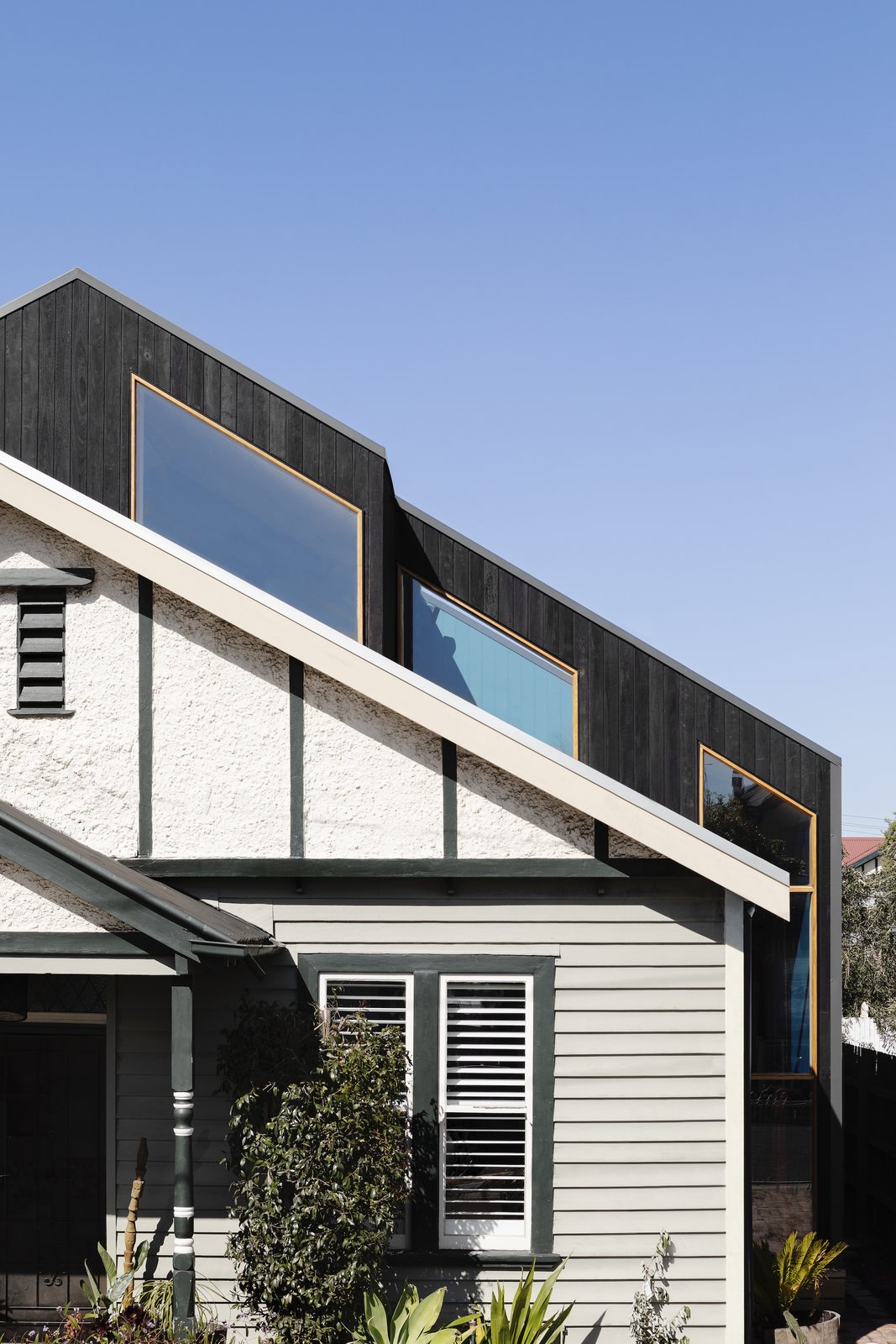Exterior of Blue House Yarraville by Studio B Architects.