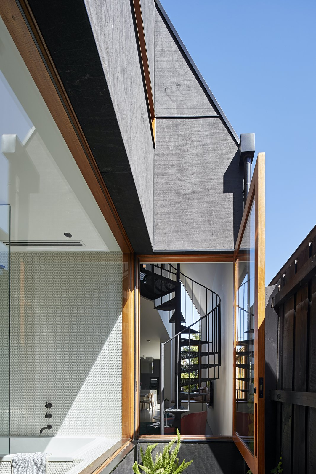 Internal courtyard at Charles St by Lande Architects.