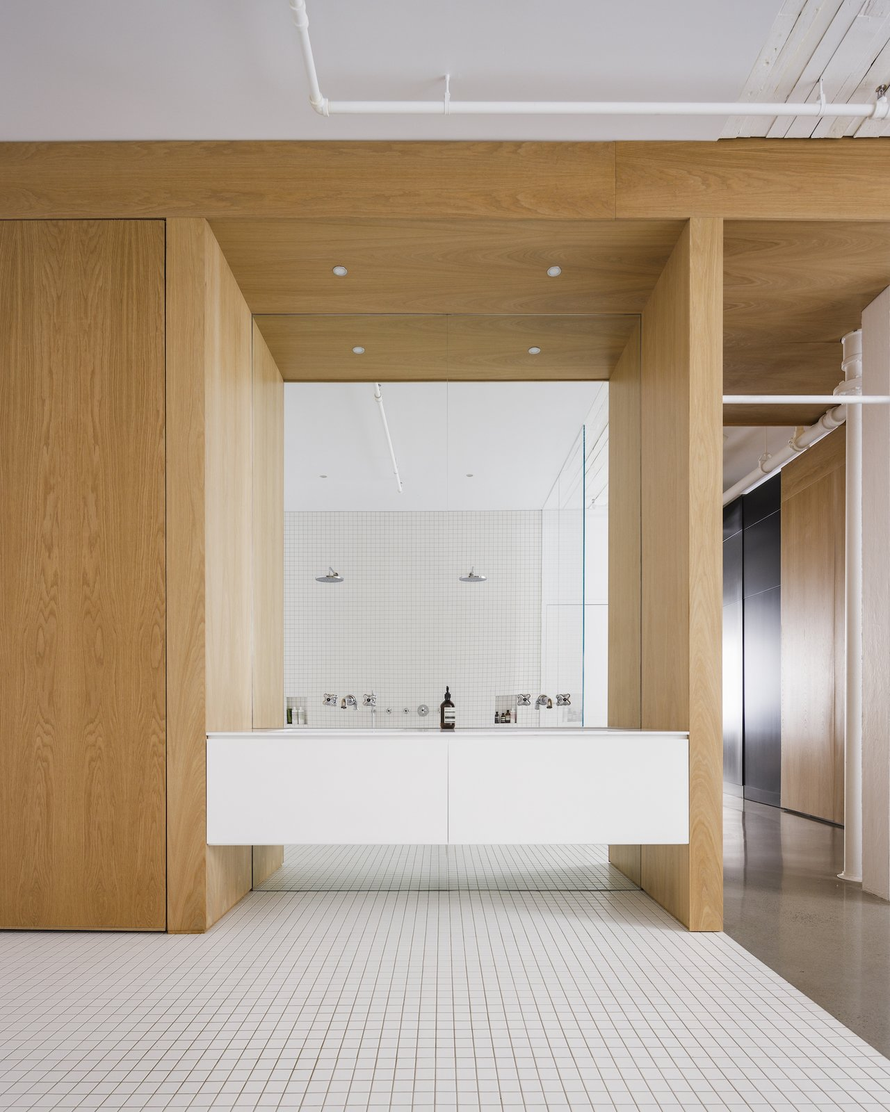 McGill 120 Apartment bathroom